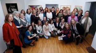 Medio centenar de artistas locales exponen sus obras en el Centro Cultural Padre Vallet