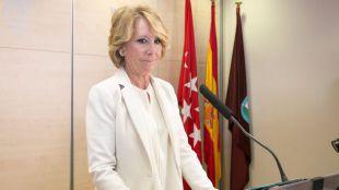 La expresidenta de la Comunidad de Madrid, Esperanza Aguirre, presenta su dimisión