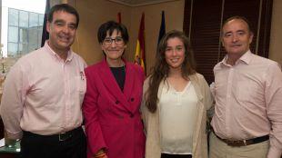 La alcaldesa recibe a la pozuelera y jugadora de padel Marta Ortega