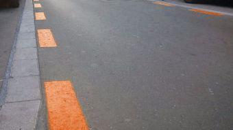 Una nueva y polémica zona naranja de estacionamiento a favor de los comercios locales
