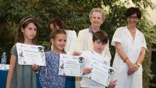 Los alumnos de Primaria reciben sus premios del concurso escolar de Poesía e Ilustración Gerardo Diego