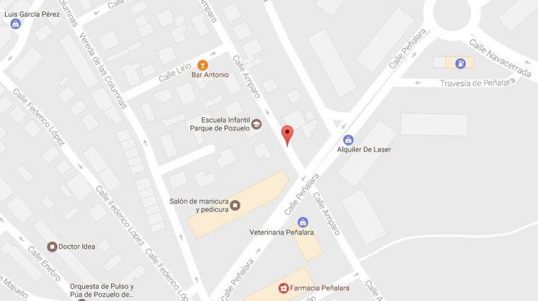 Corte de tráfico en la calle Amparo de Pozuelo este viernes
