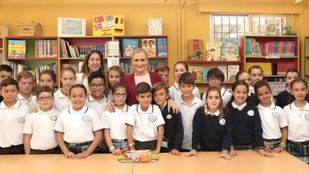 Cifuentes inaugura el nuevo curso escolar, en el que se inicia el trilingüismo en Primaria