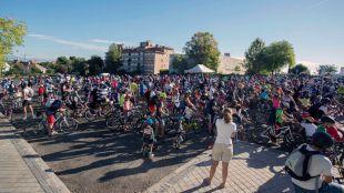 La Fiesta de la Bicicleta reúne a un millar de participantes por las calles de Pozuelo de Alarcón
