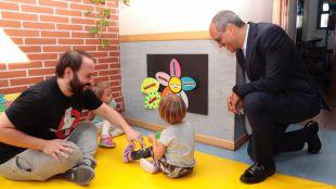 La Comunidad de Madrid baja las tasas y aumenta las becas en la educación de 0 a 3 años
