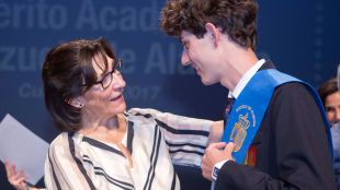 El Ayuntamiento reconoce el mérito y la excelencia académica de los alumnos de Primaria y Secundaria de la ciudad