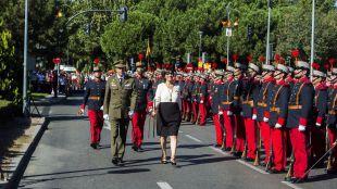 Multitudinario y emotivo homenaje a la Bandera de España en la Plaza de la Constitución de Pozuelo de Alarcón