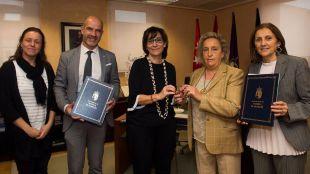 El Ayuntamiento refuerza su colaboración con Cruz Roja y le cede una vivienda municipal para ayudar a refugiados