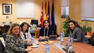 La alcaldesa se reúne con la nueva gerente de Madrid 112 para tratar asuntos sobre seguridad y emergencias en la ciudad