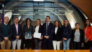 Tres alumnos de Pozuelo reciben una beca de excelencia académica para estudiar en dos universidades de la ciudad
