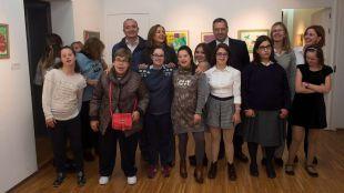 """El Centro Cultural Padre Vallet acoge la muestra """"Pinceles para la Inclusión"""" de los alumnos de pintura del Espacio para el Ocio Pozuelo"""
