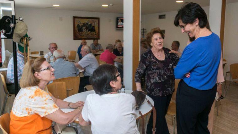 El Ayuntamiento duplica el presupuesto del año que viene para el servicio de Teleasistencia domiciliaria a personas no dependientes