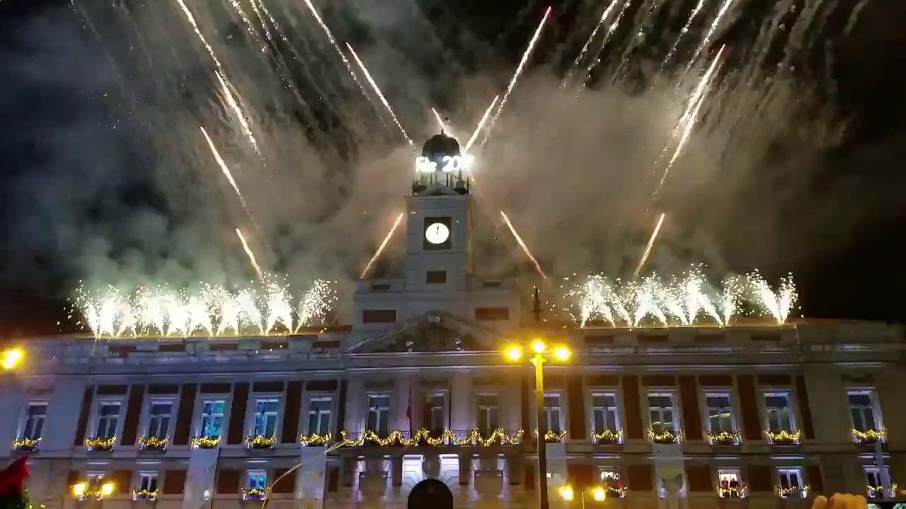 Daremos la bienvenida a 2018 con fuegos artificiales en la for La real casa de correos