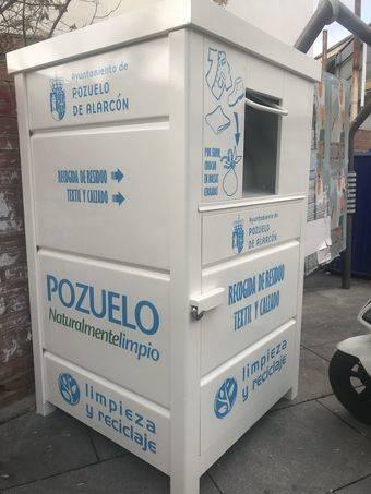 El Ayuntamiento instala 40 contenedores para la recogida de ropa, textil y calzado en la vía pública