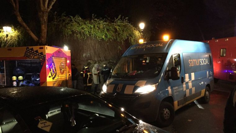Un incendio en una residencia de ancianos en Aravaca deja ocho heridos y cinco policías atendidos