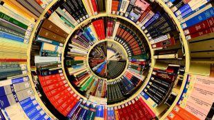 Continúa el programa de tertulias lingüísticas en inglés, francés y alemán en la Biblioteca Municipal Rosalía de Castro