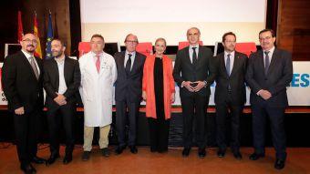 Cifuentes anuncia un Plan de Inversiones para mejorar los hospitales públicos