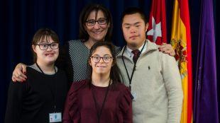 Tres alumnos con discapacidad de la Fundación Gil Gayarre se incorporan al Ayuntamiento para realizar prácticas laborales