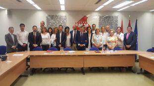 El presidente de la FMM se reúne con los sindicatos para tratar temas de seguridad y no convoca al Partido Popular