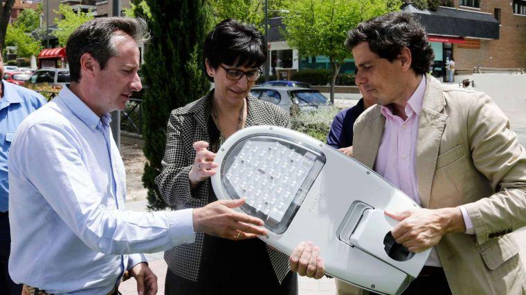 El Ayuntamiento renueva el alumbrado público con el que ahorrará energía y reducirá la contaminación lumínica
