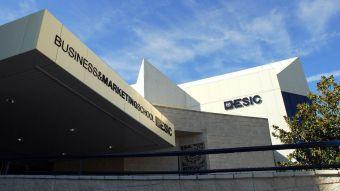 El Ayuntamiento colabora con distintas universidades para ofrecer becas de estudio a alumnos de Pozuelo