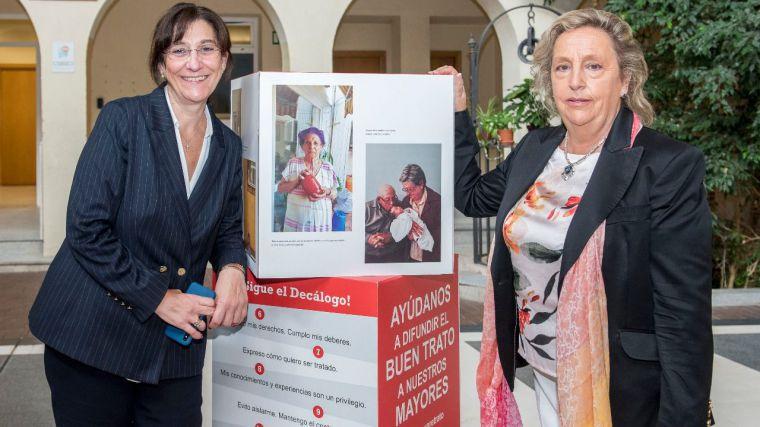 """El Ayuntamiento acoge la muestra de Cruz Roja """"+Que un retrato"""""""