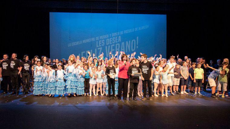 Alumnos y profesores de la Escuela Municipal de Música y Danza ponen el broche de oro a su curso con un musical