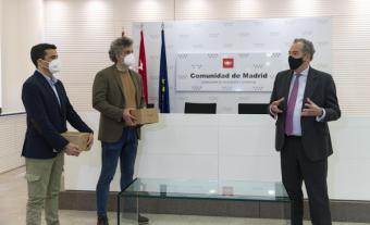 La Comunidad de Madrid hace entrega de material tecnológico a 66 centros educativos para realizar proyectos de innovación