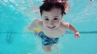 ¿Qué hacer en caso de accidente en piscinas y playas?