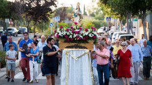 La Colonia de Los Ángeles de Pozuelo de Alarcón ha celebrado las fiestas en honor a su patrona
