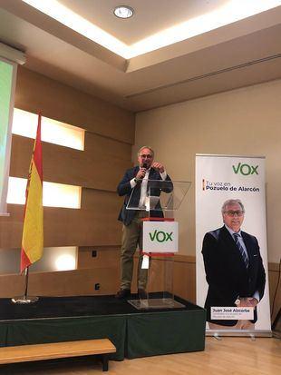Susana Pérez Quislant, manifestó su agradecimiento a Aizcorbe por su labor constructiva y de diálogo permanente en estos meses como Portavoz de VOX