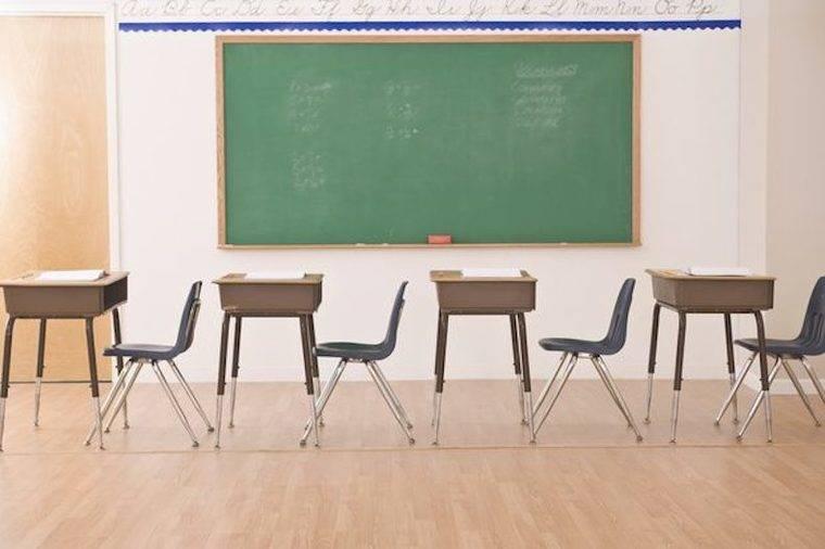Más educadores para combatir el absentismo escolar