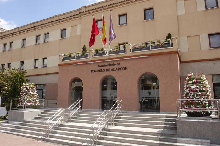 El Gobierno municipal colabora con diferentes universidades de la región para facilitar el estudio a los alumnos de Pozuelo