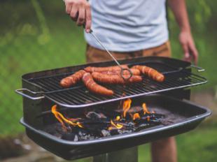 Consejos para evitar las digestiones pesadas y los gases en verano