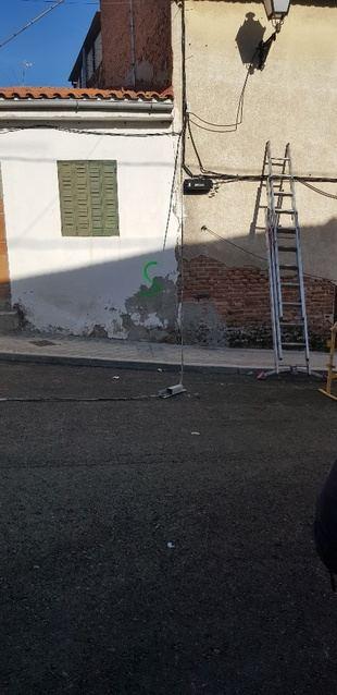 El PSOE denuncia el abandono a los vecinos de La Poza ante las obras de derribo en la zona