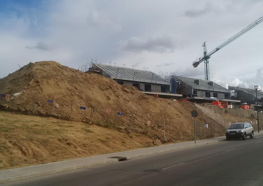 Obras en la calle Isla de León de Pozuelo