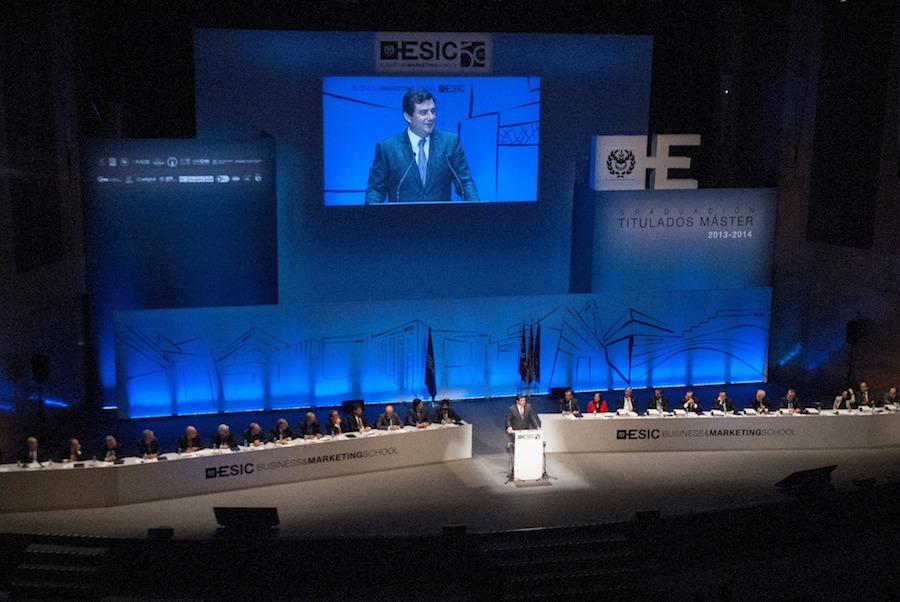 C�sar Cernuda, presidente de Microsoft Asia-Pac�fico, en su discurso a los alumnos de ESIC en el �ltimo Acto de Graduaci�n de Postgrado
