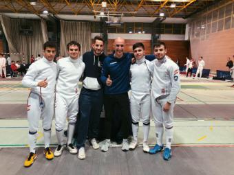 El Club Esgrima Pozuelo se clasifica al Campeonato de España júnior individual y por equipos