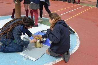 Los alumnos del colegio Los Robles en Aravaca lanzan una sonda a la estratosfera