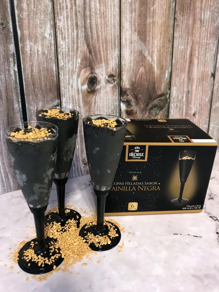 Celebra el año nuevo con las copas heladas de vainilla negra de la Ibense Bornay