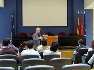 Gorka Zumeta en una sesión del curso