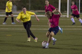 Institutos norteamericanos buscan jugadoras de fútbol en Madrid para becarles los estudios en EEUU