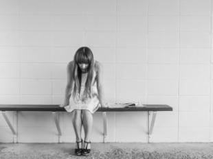 La soledad emocional, un factor de alto riesgo en los jóvenes