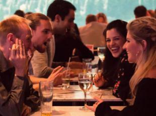 Ligar vuelve a ser offline: los solteros y solteras españoles quieren hacer 'match' en el mundo real