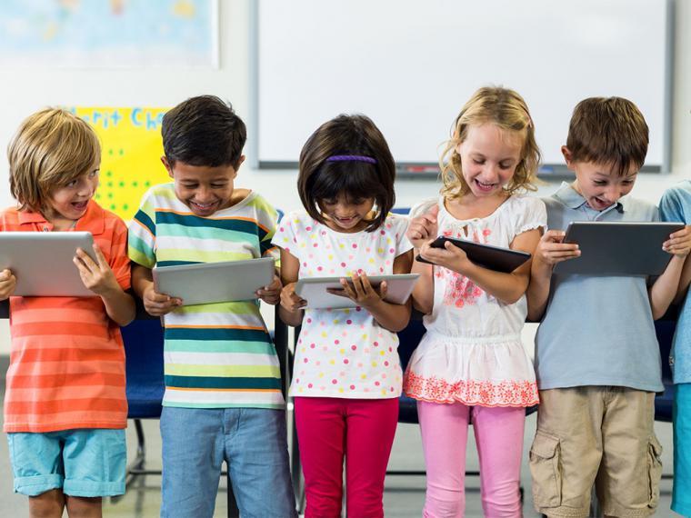 La profesión de youtuber o influencer 'se cuela' entre las favoritas de los niños