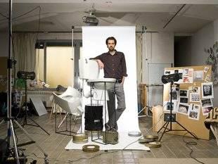El taller de Daniel Canogar ha cerrado el Salón de Verano de Moncloa-Aravaca