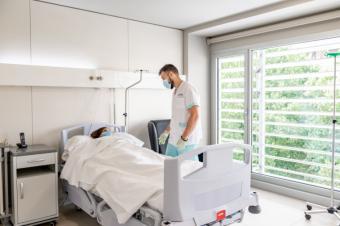 El hospital del Grupo HLA en Madrid atiende a los pacientes afectados por la COVID en sus diferentes etapas