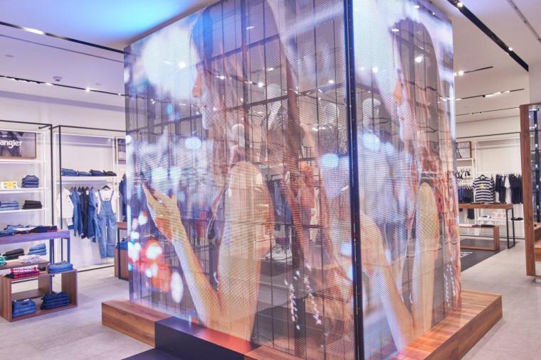 """Fashionalia redefine la moda con la apertura de su primera tienda """"Phygital"""" en Pozuelo de Alarcón"""