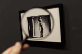 El mundo onírico y enigmático de Man Ray, en la Fundación Canal