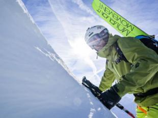Helly Hansen renueva su equipamiento de esquí de montaña en el décimo aniversario de la colección Odin